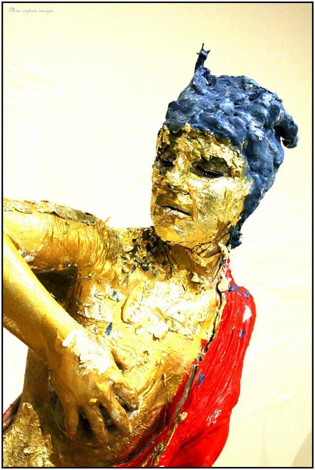 """8 Febbraio 2014, """"Invenzione della scultura"""", performance realizzata con Damiana Ardito, Sala Cascella Aurum, Pescara"""